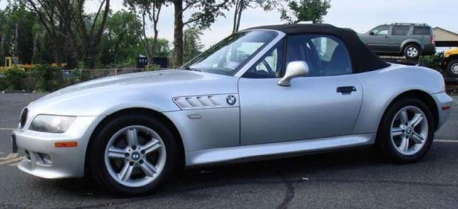 Similar car to the BMW Z3 driven by the theft suspect (Image: West Linn PD)