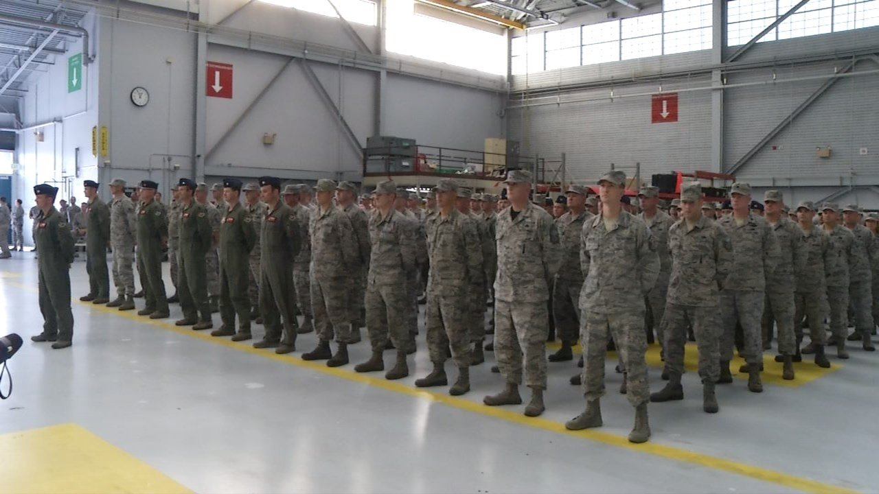 Airmen from the Oregon Air National Guard's 142nd Fighter Wing