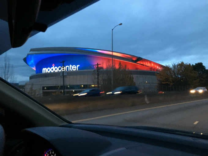 Moda Center honors Paris victims