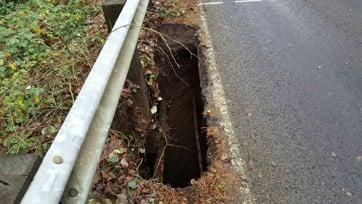 Sink hole on Beef Bend Road. (Photo: Washington County)