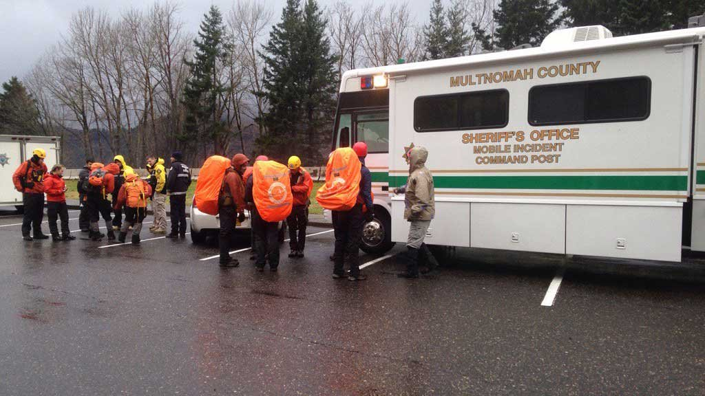 Search and rescue crews prepare to resume their search Wednesday morning