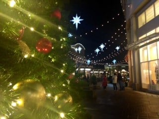 Shoppers at Bridgeport Village on December 23rd.