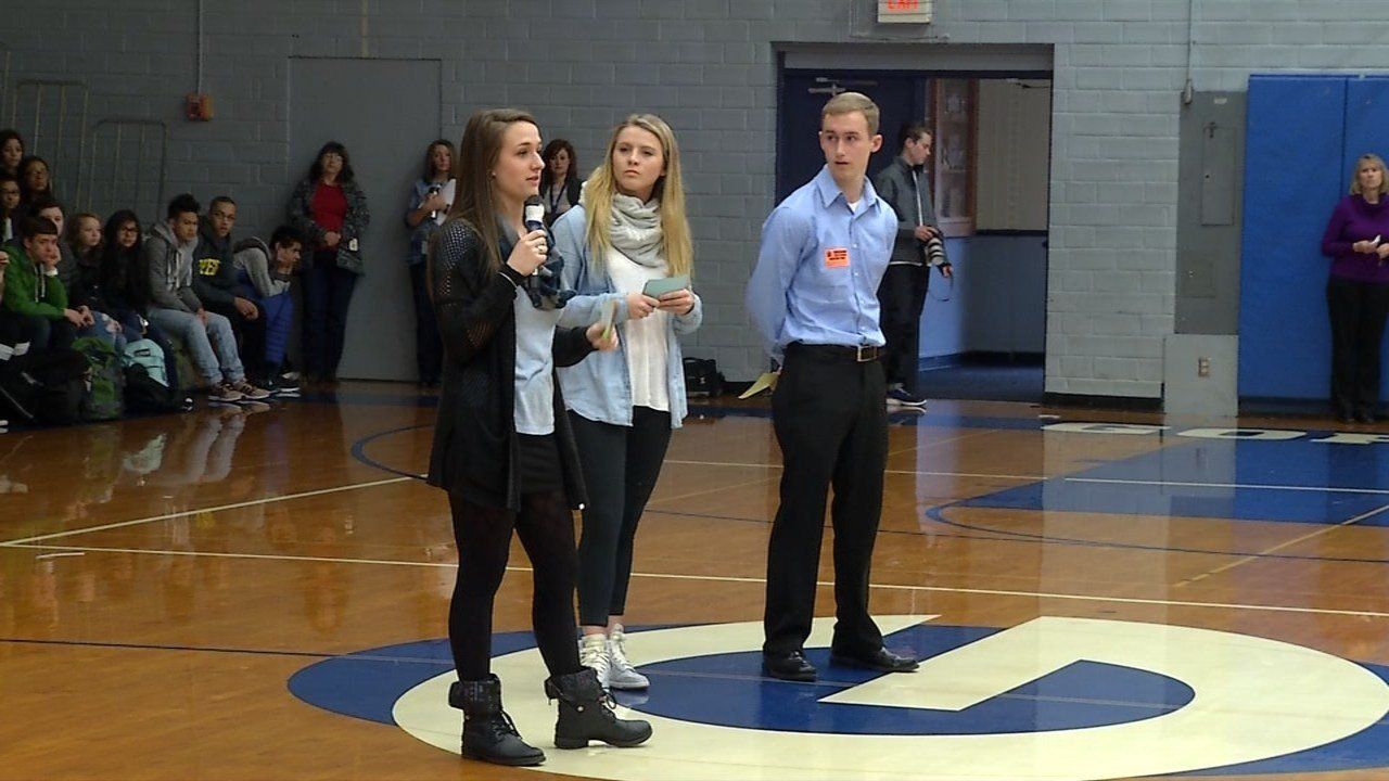 Seaside students talking to Gresham High School about  relocation proposal.