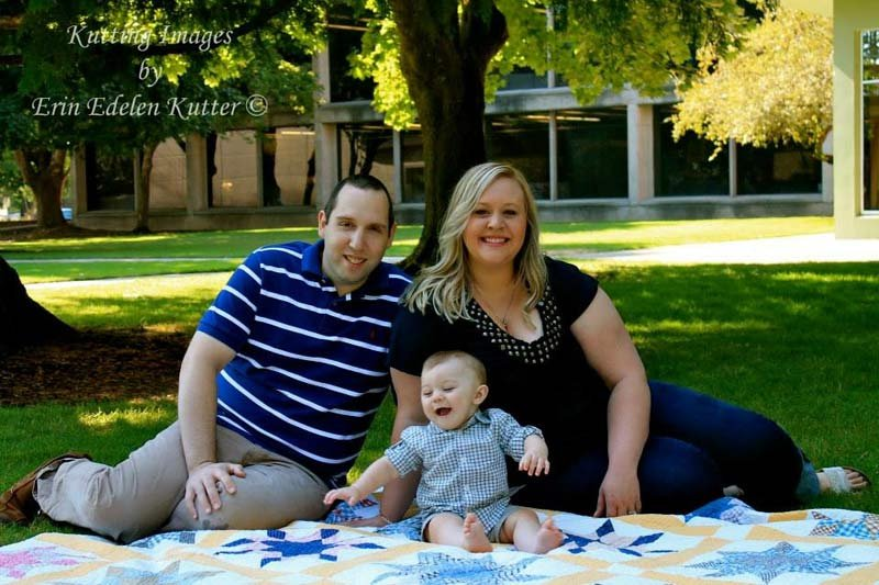 Deputy Curtis Alexander and his family. (Photo: Kutting Images by Erin Edelen Kutter)