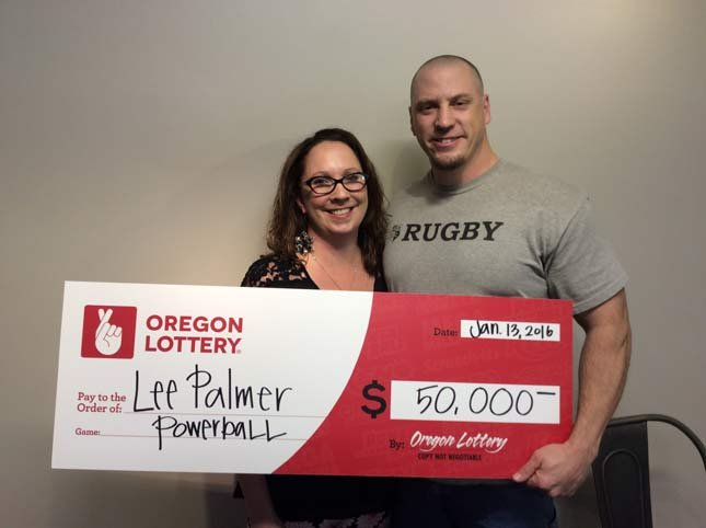 Dominique and Lee Palmer of Coos Bay won $50,000 in Wednesday's Powerball drawing. (Photo: Oregon Lottery)