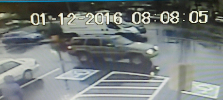 Surveillance image of suspect's SUV outside QFC. (Image from Portland Police Bureau)