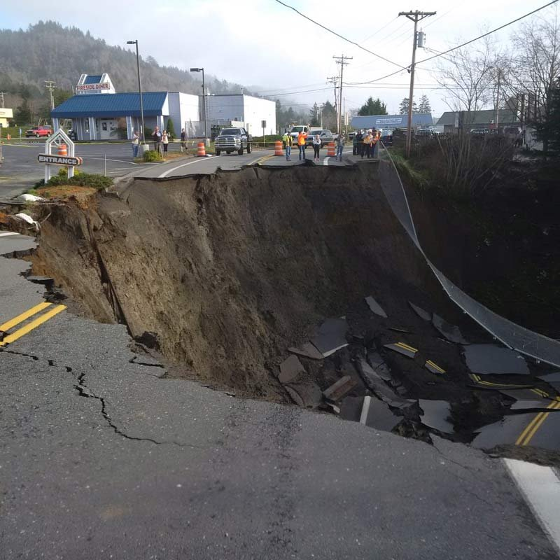 Oregon Sinkhole: Highway 101 Closed As Second Sinkhole Devours Immediate Area (TWEET)