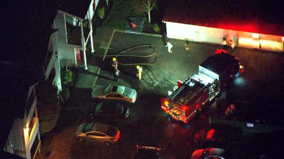 Air 12 over Redwood Acres apartment fire