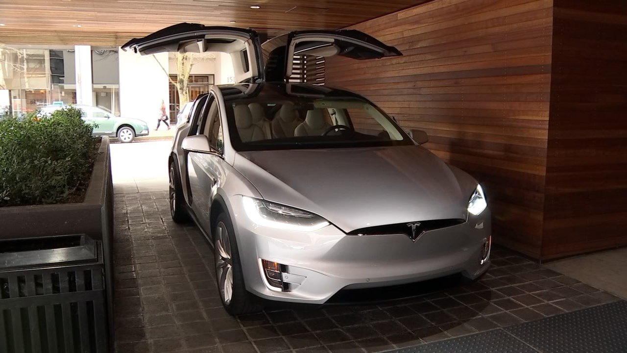 Portland drivers got their chance to get behind the wheel of Tesla's newest electric car, the Model X,  at an event wednesday. (KPTV)
