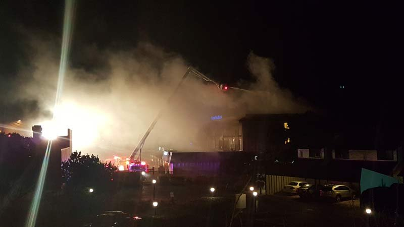 Fire at The Rodeway Inn & Suites in Lincoln City (Photo: Eugene Davis)